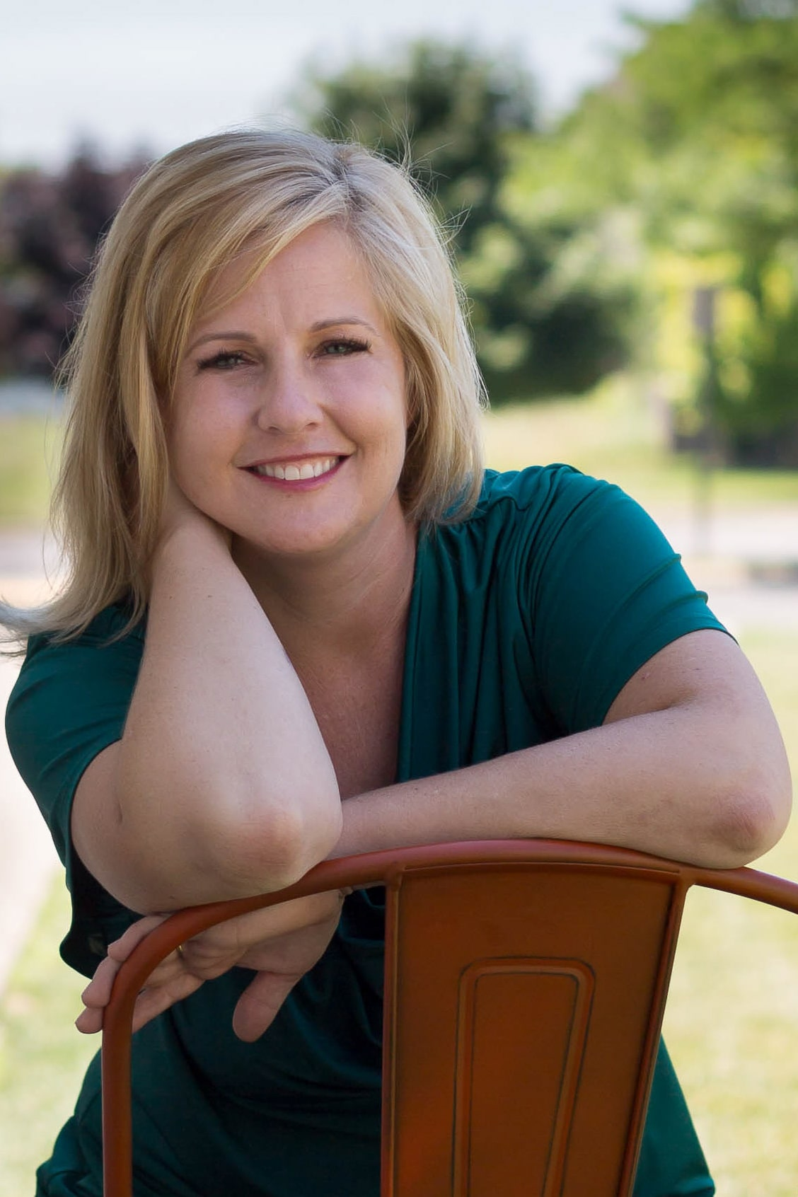 Angela Rozek-Creative Set Designer